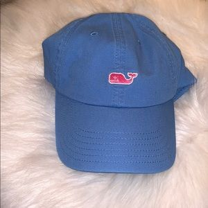NWOT Blue with pink whale Vineyard Vines hat